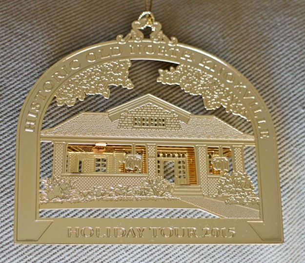 hometour_ornament_2015_gold